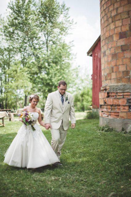 Secrest 1883 Octagonal Barn - Iowa Wedding Venue